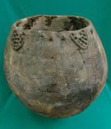 """საღვინე ჭურჭელი, 8000 წლის წინანდელი. ძვ. წ. VI–Vათასწლეულები. """"ხრამის დიდ გორა"""", შულავერი. ქვემო ქართლი. Wine cup. VI_V millennium BC. Shulaveri, Georgia."""